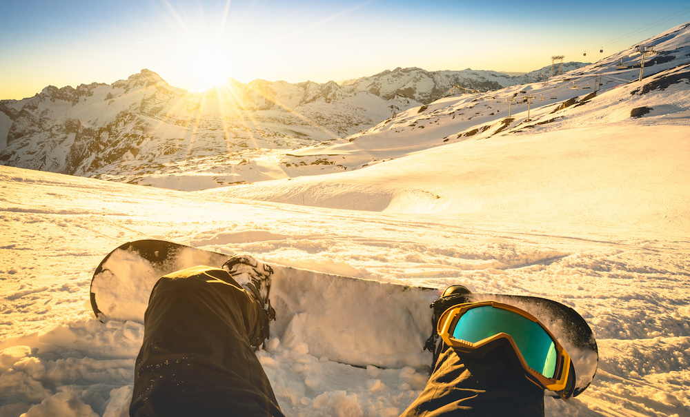How to Snowboard For Beginners: Ultimate Guide